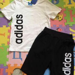 Adidas Costume. 110-122. New