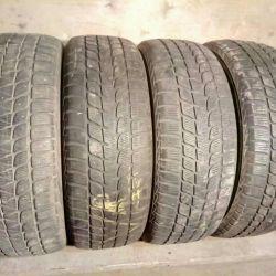 235 65 17 Bridgestone Blizzak LM-25 4x4
