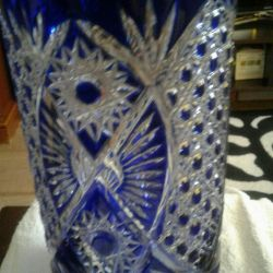 Vaza de cristal albastru