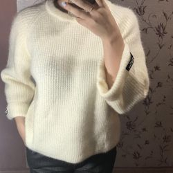 New sweaters, knitted, sizes 42 to 48