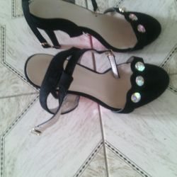I will sell Sandals new r39