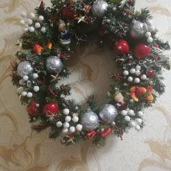 Acilen büyük bir Noel çelenk satacağım!