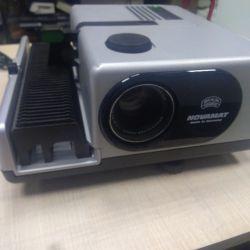 проектор BRAUN E150 б/у в рабочем состоянии.
