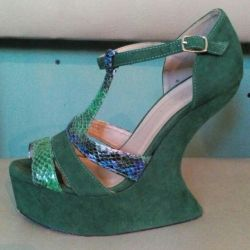 Extravagant green shoes 37.5-38.