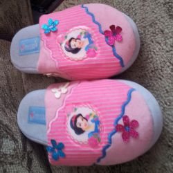 Snow White slippers new 34 size Disney Company
