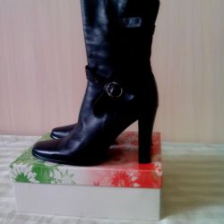 Demi boots, Italy