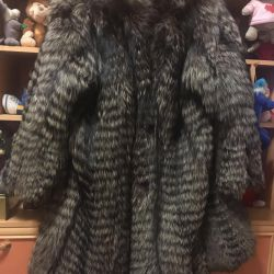 Excellent fur coat with silver fox hood