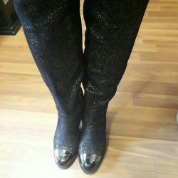 Treads high boots stylish