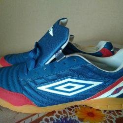 Futsal yeni erkek ayakkabı