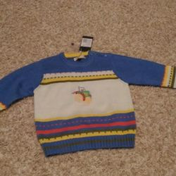I will sell a new sweater