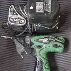 Шуруповерт Hitachi DS12DVF3-TA