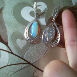 New silver earrings with nat. moonstone