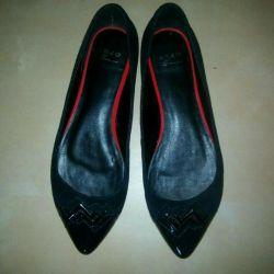 Yeni ayakkabılar (İtalya)