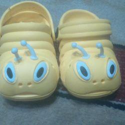 Παιδικά παπούτσια για την παραλία και την πισίνα 19τ.