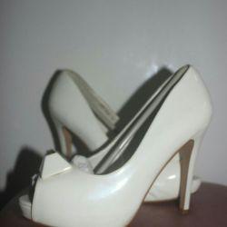 Lac white shoes