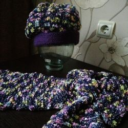A new set of warm hat-takes a scarf.