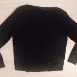 Sweater bee free