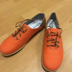 νέες χαμηλές μπότες