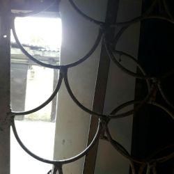 Решeтки 2 шт для окна