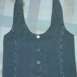 Vest for the girl. SCHOOL UNIFORM.