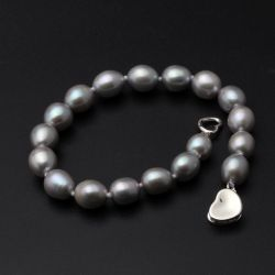 Gray pearl bracelet