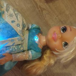 Elsa doll voiced