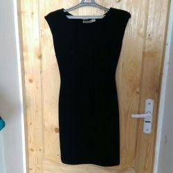 Μαύρο φόρεμα για γυναίκες