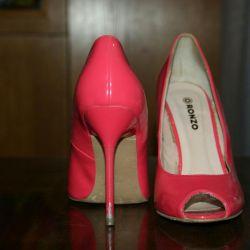 Παπούτσια 👠