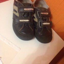Πώληση υποδημάτων (αθλητικά παπούτσια) geox