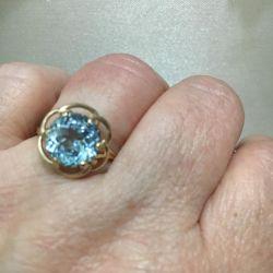 Inel de aur 585 standart cu topaz