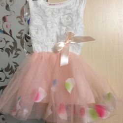 Νέο φόρεμα με πέταλα