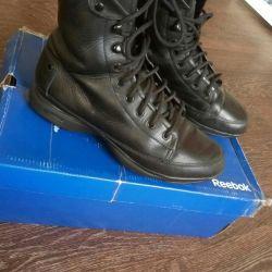 Reebok Easy Tone Reus 38.5 leather boots are demi-season