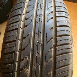 All-season tire 205/55/16