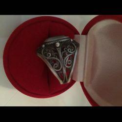 ? Ασημένιο δαχτυλίδι / μαζικός δακτύλιος ?