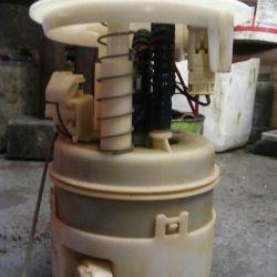 Renault Logan gasoline pump 1.4 1.6