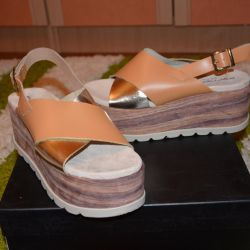 New sandals brand Fornarina Italy