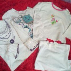 Διαφορετικά μπλουζάκια και μπλουζάκια για 2-3 χρόνια