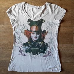 T-shirt with Johnny Depp. Alice in Wonderland.