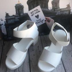 Sandals white 35 New !!