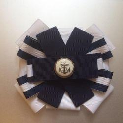 Broșă de design yacht