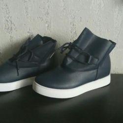 Yeni spor ayakkabılar 36