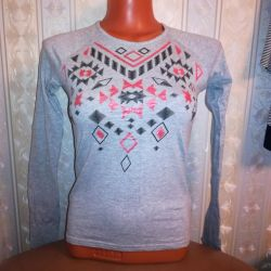 T-shirt 40-42 with long sleeves
