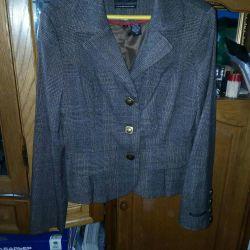 Bluza Blazer, nouă de 48 de ori