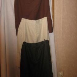 Οι φούστες είναι τρία χρώματα: λευκά, καφέ και ζωντανά