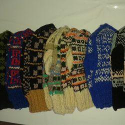 Handmade woolen mittens