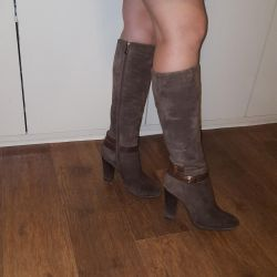 Boots. Natural fur and suede.