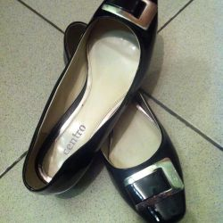 Γυναικεία παπούτσια, που χρησιμοποιούνται, μέγεθος 40, λακαρισμένο.