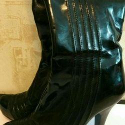 Boots 100% leather patent
