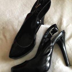 Pantofi cu lac