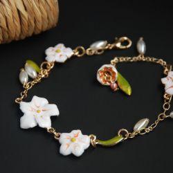 Bracelet with enamel